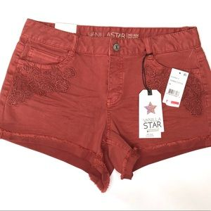 Vanilla Star | NWT Red Mid Rise Shortie